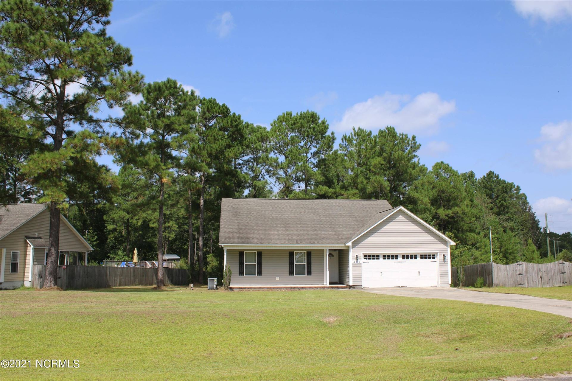 Photo of 402 W Peyton Place, Maple Hill, NC 28454 (MLS # 100288265)