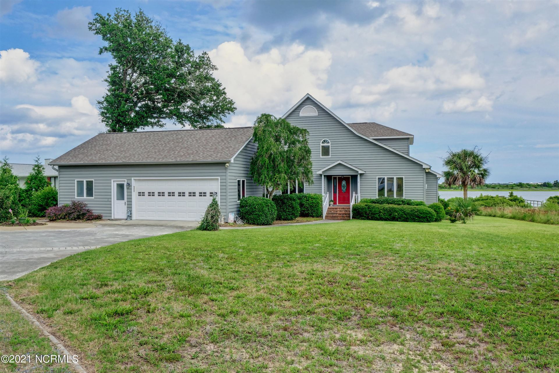 Photo for 620 Red Fox Trail, Hampstead, NC 28443 (MLS # 100281267)