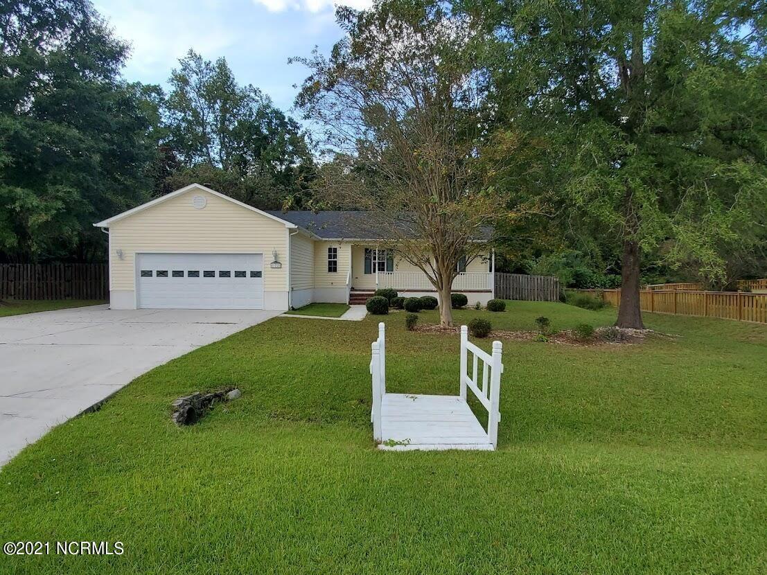 Photo of 122 Stoney Creek Drive, Jacksonville, NC 28540 (MLS # 100293269)