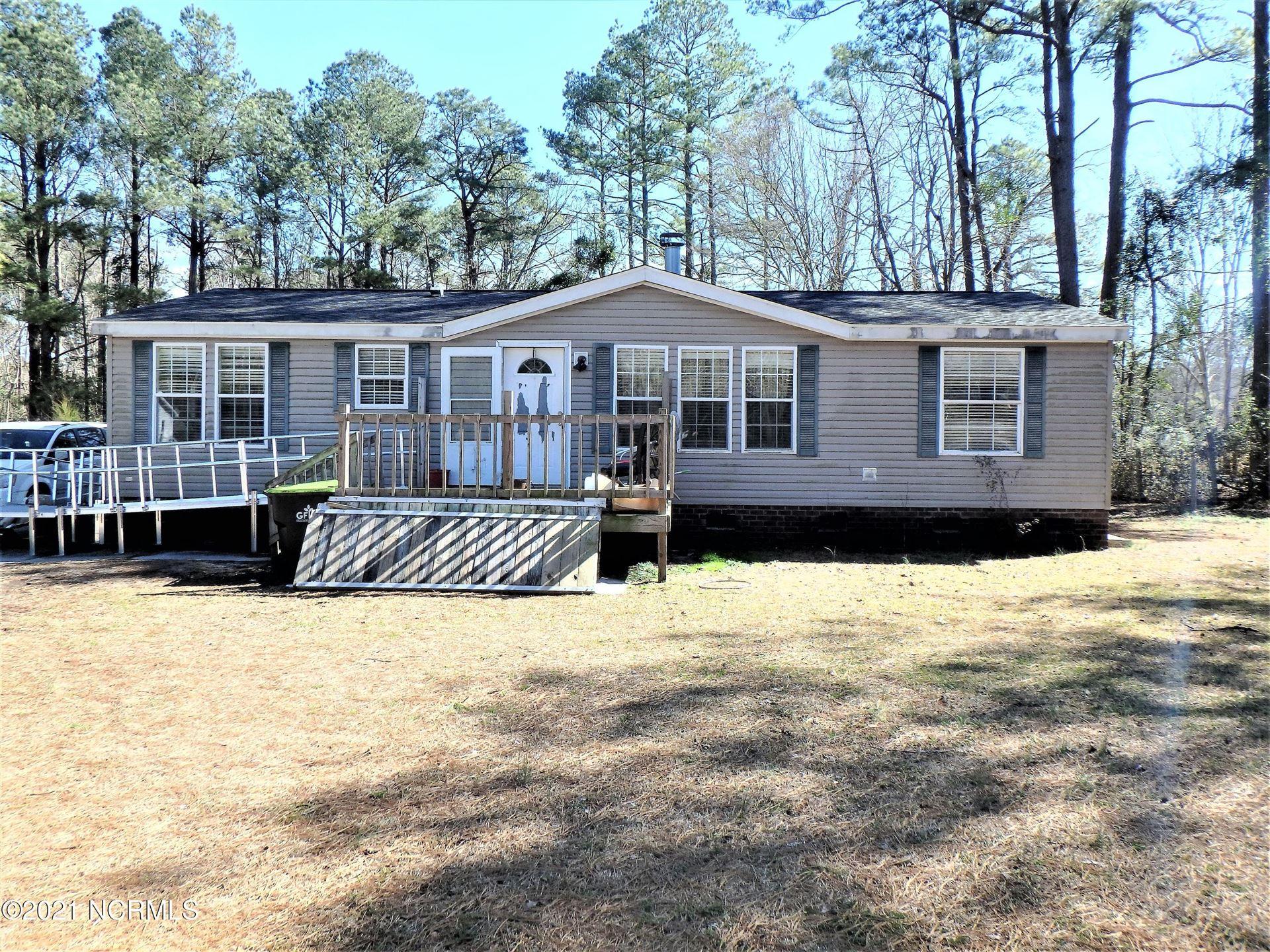Photo for 1072 Wells Road, Jacksonville, NC 28540 (MLS # 100258271)