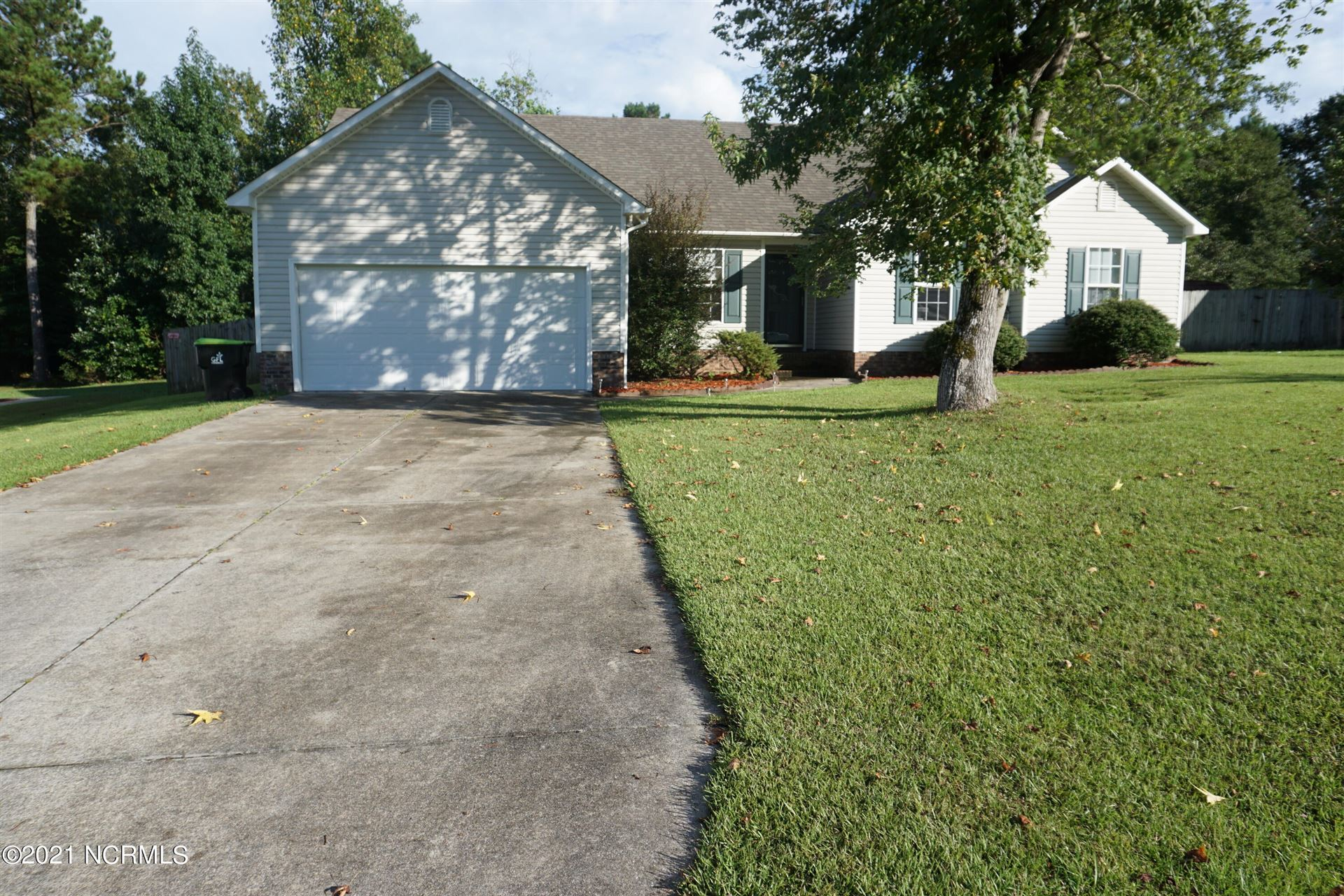 Photo of 112 Walnut Hills Drive, Richlands, NC 28574 (MLS # 100289282)
