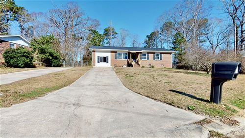 Photo of 307 Sheffield Road, Jacksonville, NC 28546 (MLS # 100201283)