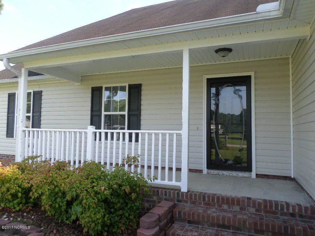 Photo of 101 Flat Rock Lane, Richlands, NC 28574 (MLS # 100295287)