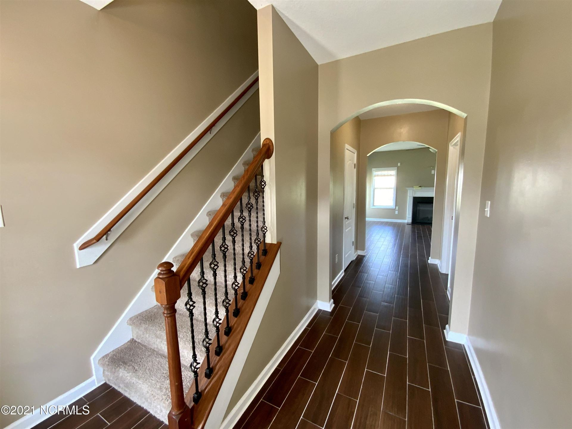 Photo of 128 Saw Grass Drive, Jacksonville, NC 28540 (MLS # 100284291)