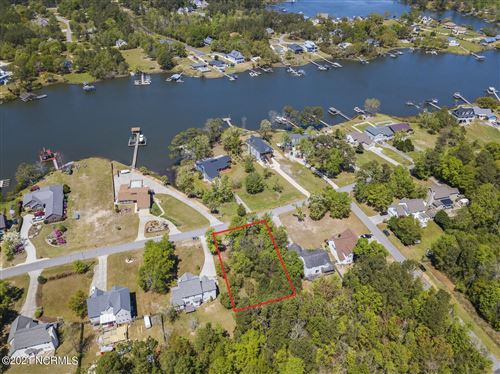 Photo of 470 Chadwick Shores Drive, Sneads Ferry, NC 28460 (MLS # 100267293)