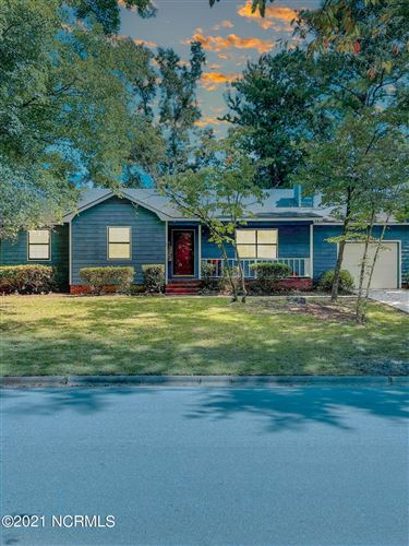 Photo of 307 Spring Drive, Jacksonville, NC 28540 (MLS # 100295296)