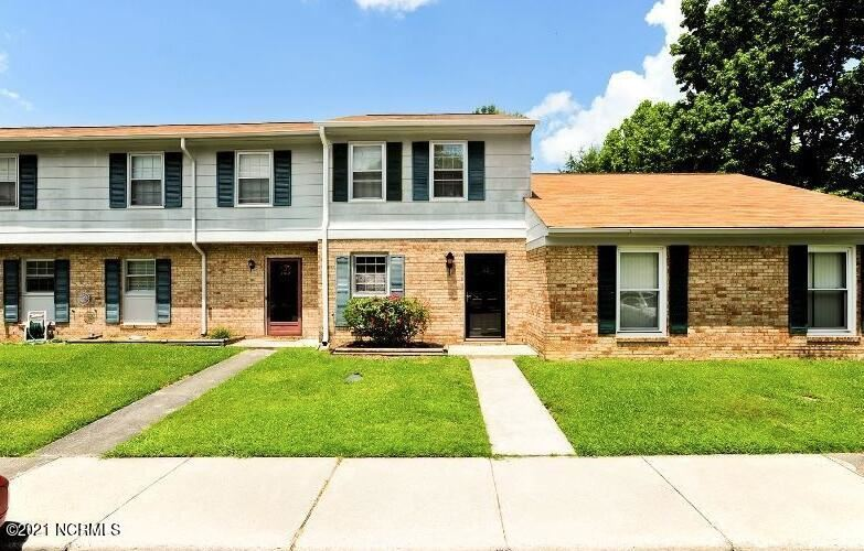 Photo for 165 King George Court, Jacksonville, NC 28546 (MLS # 100282296)