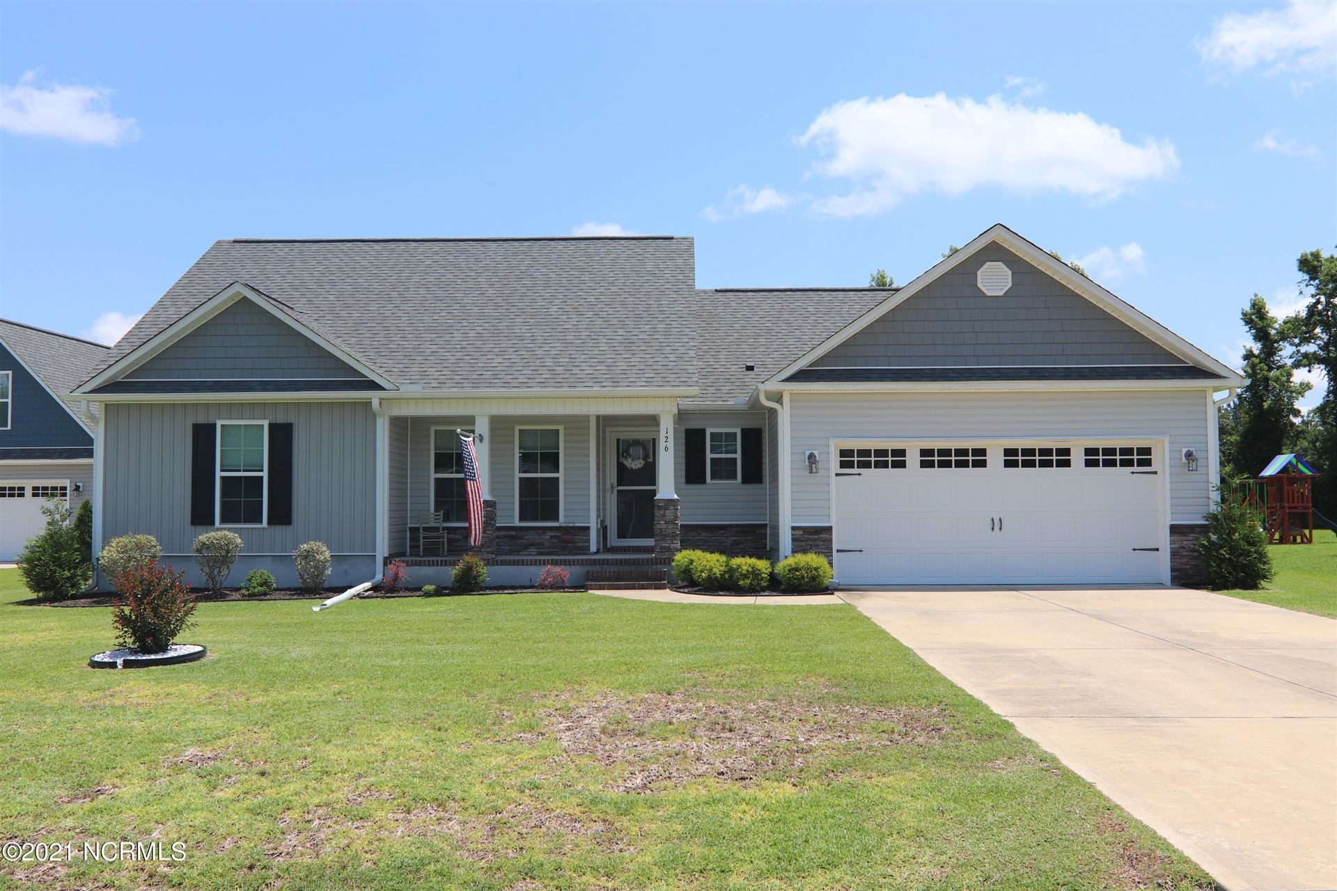Photo for 126 Waterford Way, Maysville, NC 28555 (MLS # 100278299)