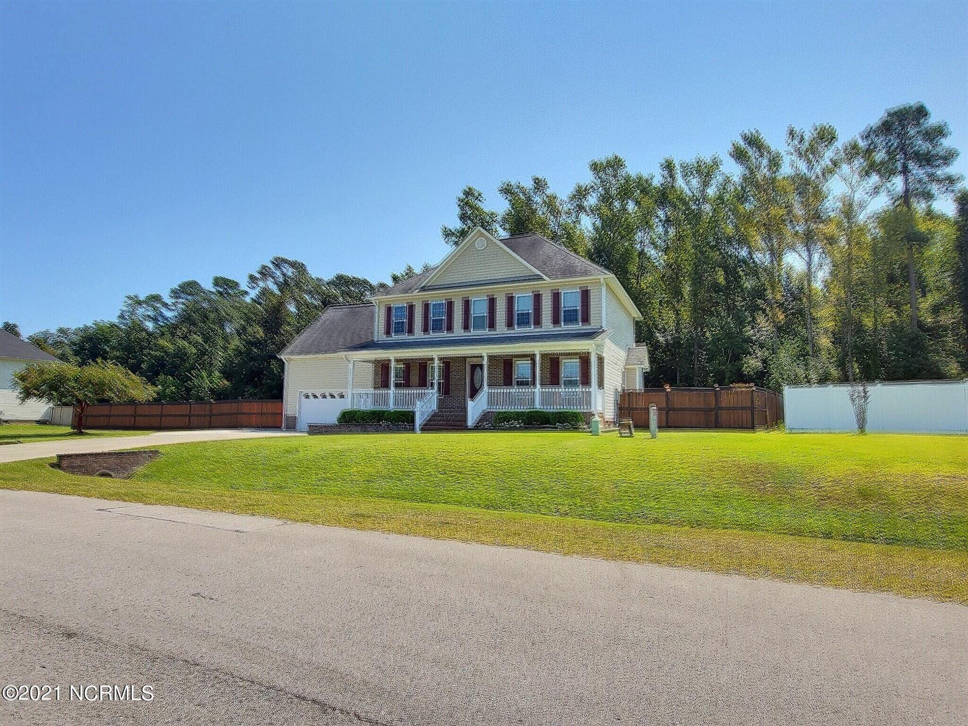Photo of 140 Farmington Drive, Richlands, NC 28574 (MLS # 100290303)