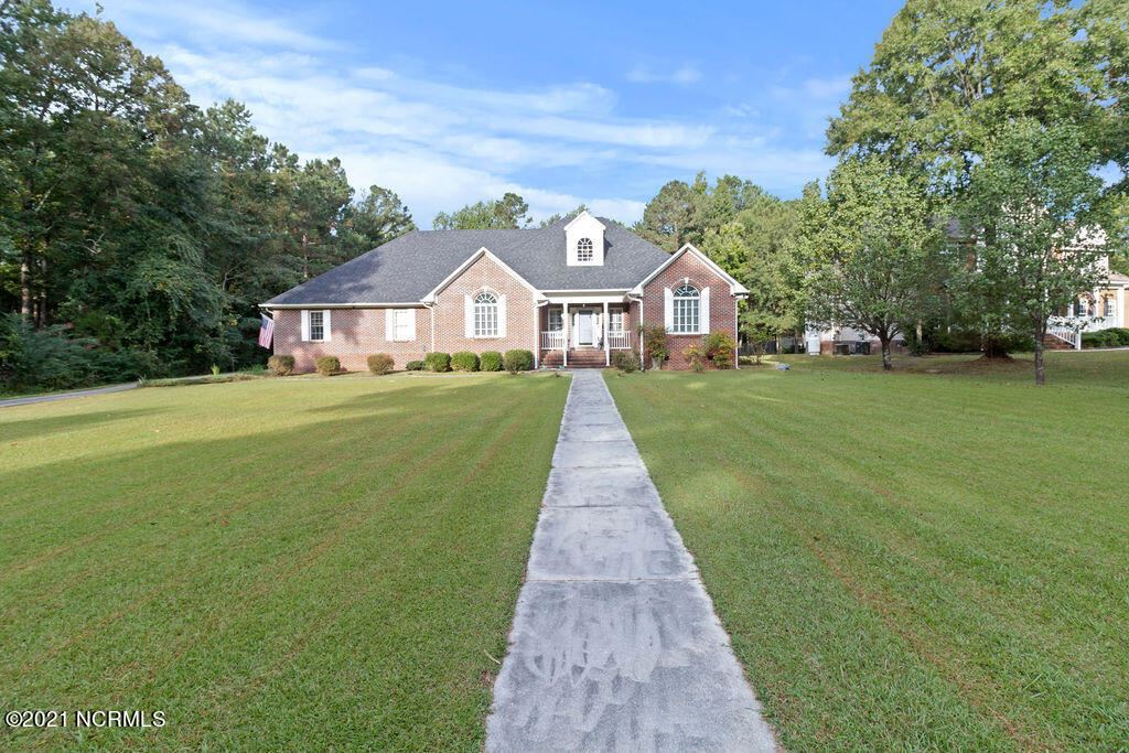 Photo of 1006 Lynchburg Drive, Jacksonville, NC 28546 (MLS # 100294304)