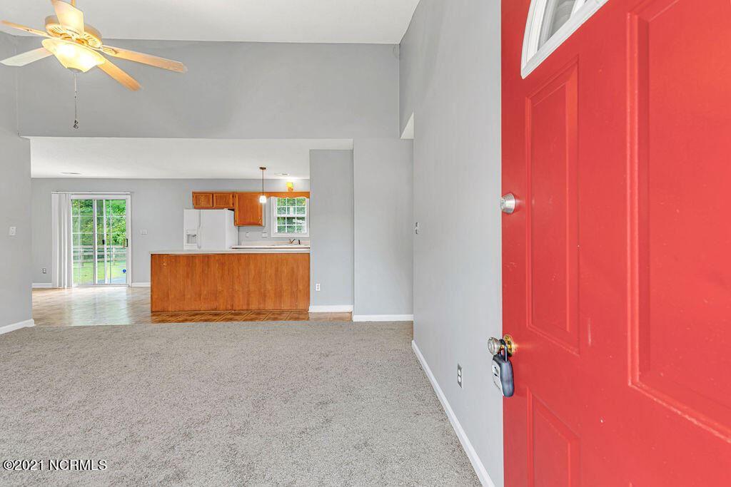 Photo of 202 Glenwood Drive, Hubert, NC 28539 (MLS # 100291306)