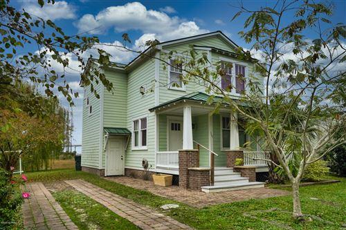 Photo of 309 Moore Street, Beaufort, NC 28516 (MLS # 100234313)