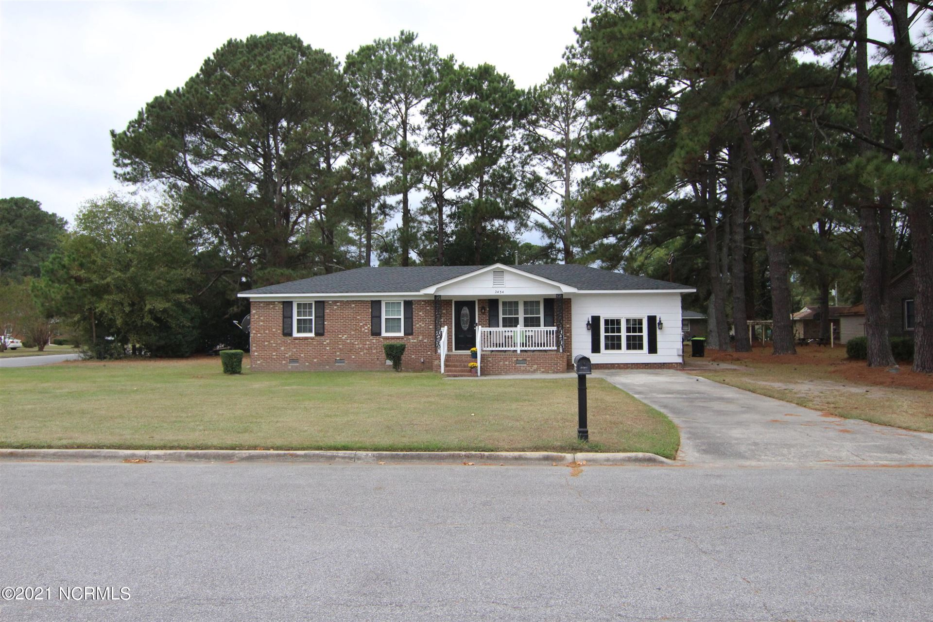 Photo of 2434 Glenda Street Street, Winterville, NC 28590 (MLS # 100296314)