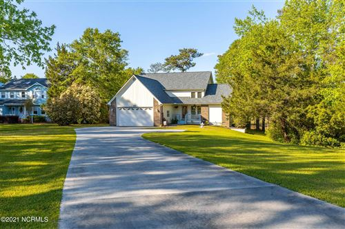 Photo of 252 River Reach Drive, Swansboro, NC 28584 (MLS # 100260315)