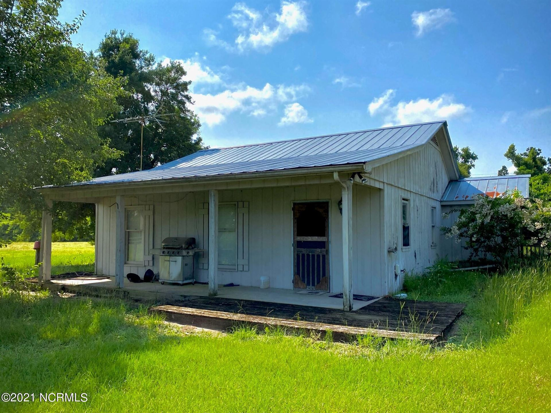 Photo of 970 Moore Town Road, Rocky Point, NC 28457 (MLS # 100279316)