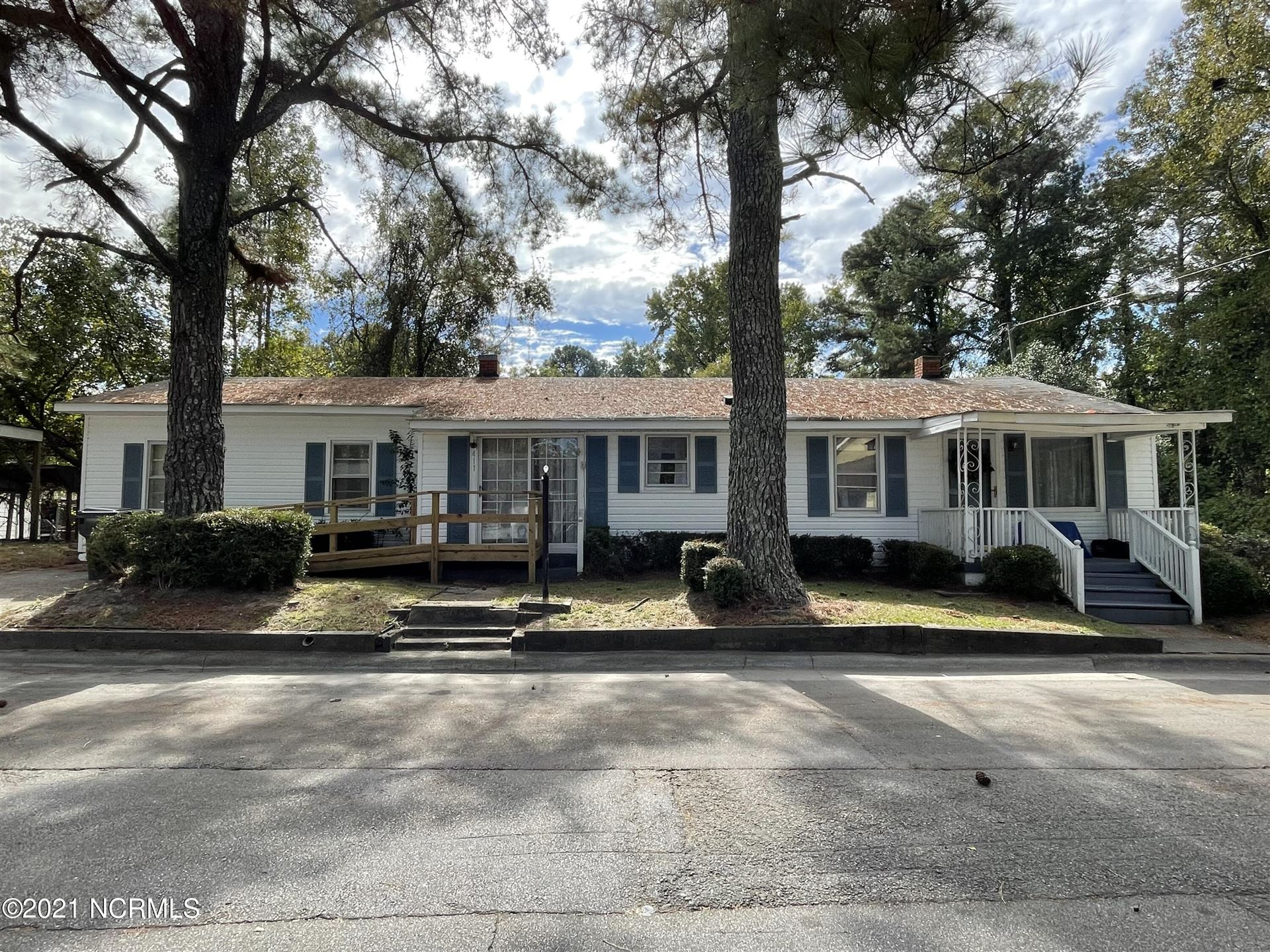 Photo of 411 Oak Street, Williamston, NC 27892 (MLS # 100296316)