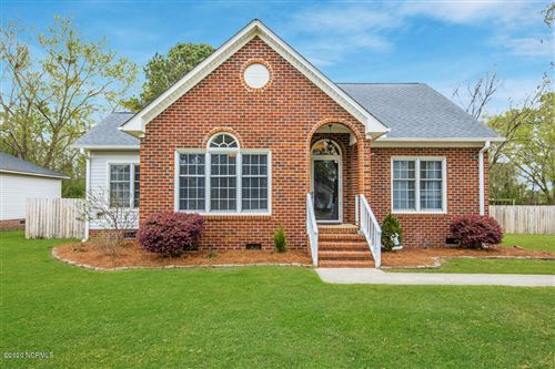 Photo of 536 Cliff Court, Winterville, NC 28590 (MLS # 100211318)