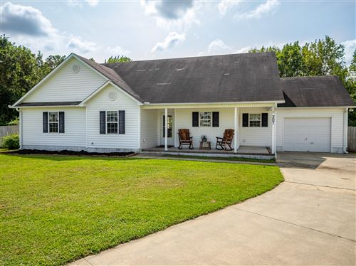 Photo of 307 Rolling Meadow Court, Richlands, NC 28574 (MLS # 100237318)
