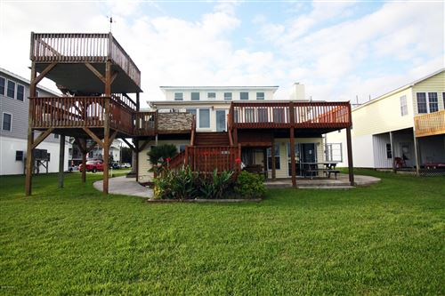 Photo of 231 Grandview Drive, Sneads Ferry, NC 28460 (MLS # 100238320)