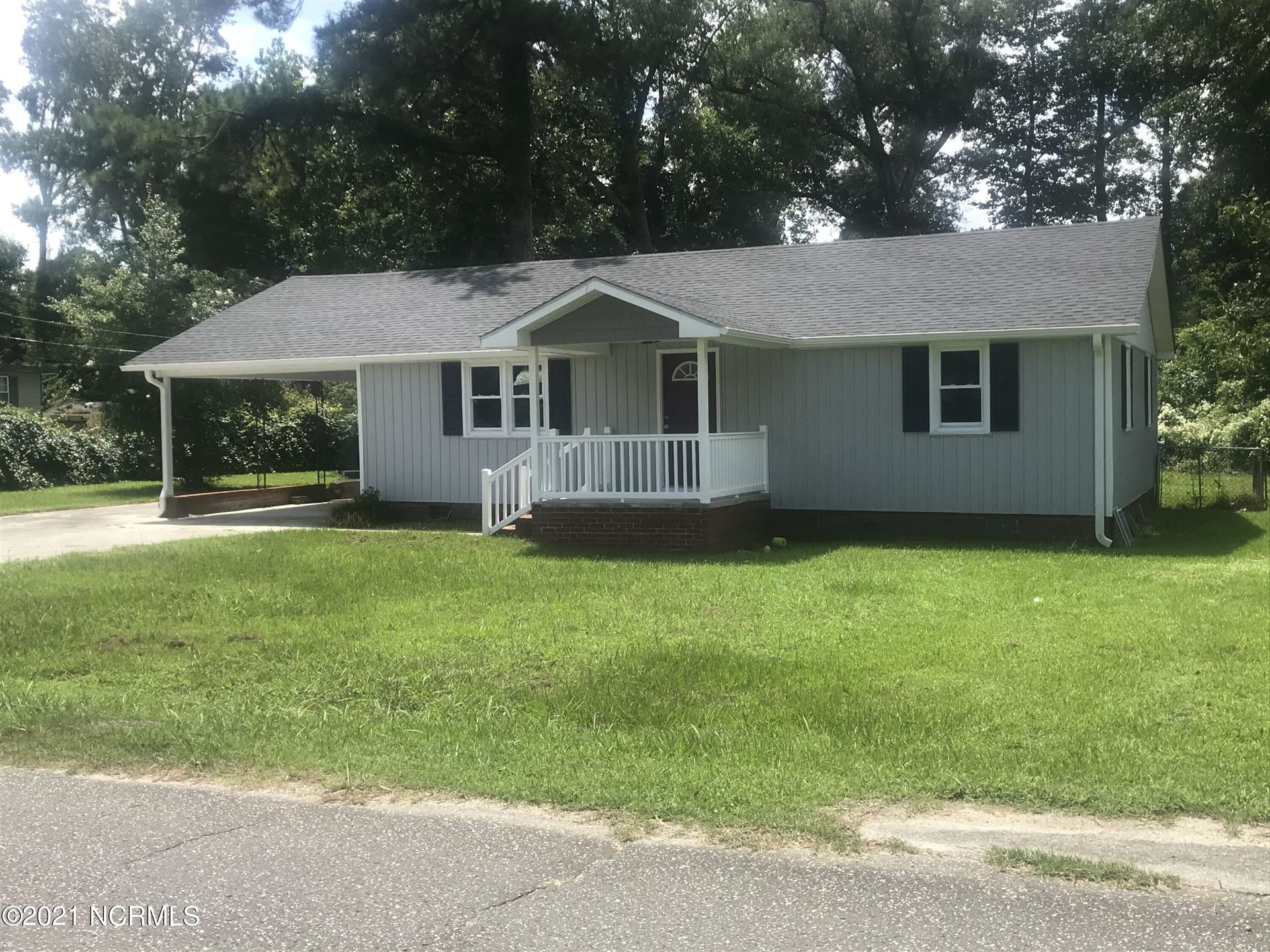 Photo of 608 S Cumberland Street, Wallace, NC 28466 (MLS # 100286321)