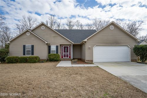 Photo of 132 Forest Bluff Drive, Jacksonville, NC 28540 (MLS # 100257323)