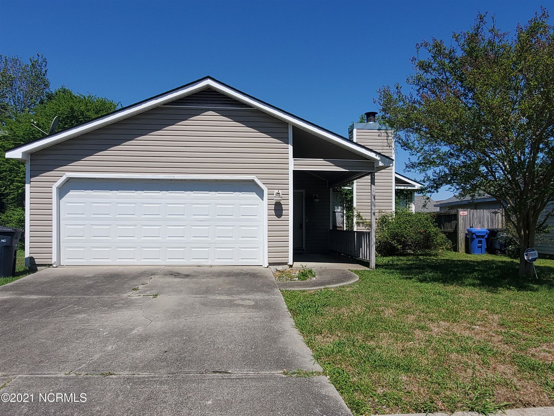 Photo of 2049 Foxhorn Road, Jacksonville, NC 28546 (MLS # 100266324)