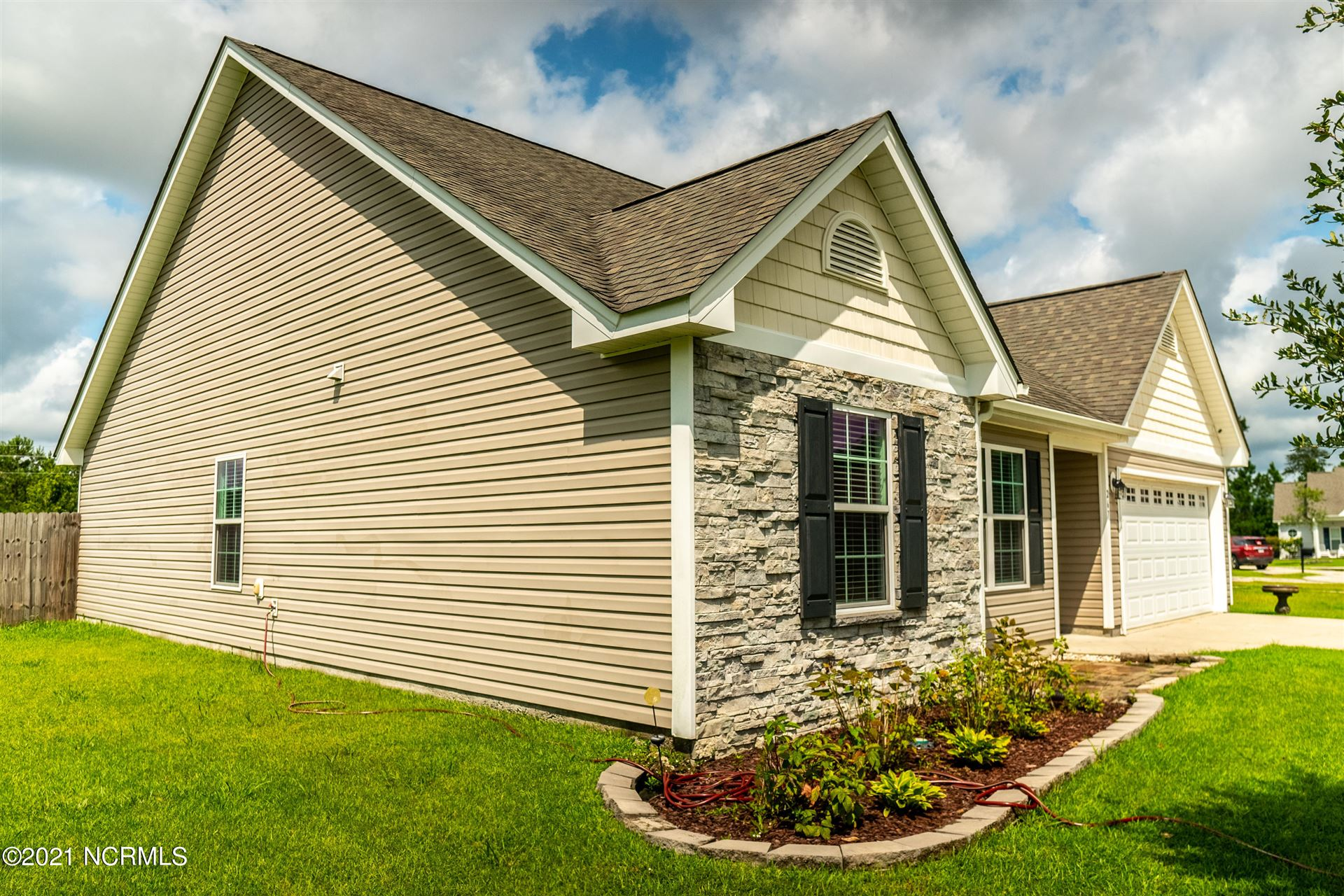 Photo of 267 Silver Hills Drive, Jacksonville, NC 28546 (MLS # 100287324)