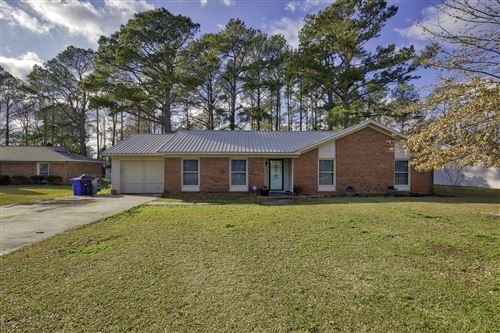 Photo of 513 W Springhill Terrace, Jacksonville, NC 28546 (MLS # 100206329)