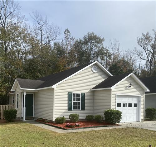 Photo of 221 Forest Park Drive, New Bern, NC 28562 (MLS # 100245330)