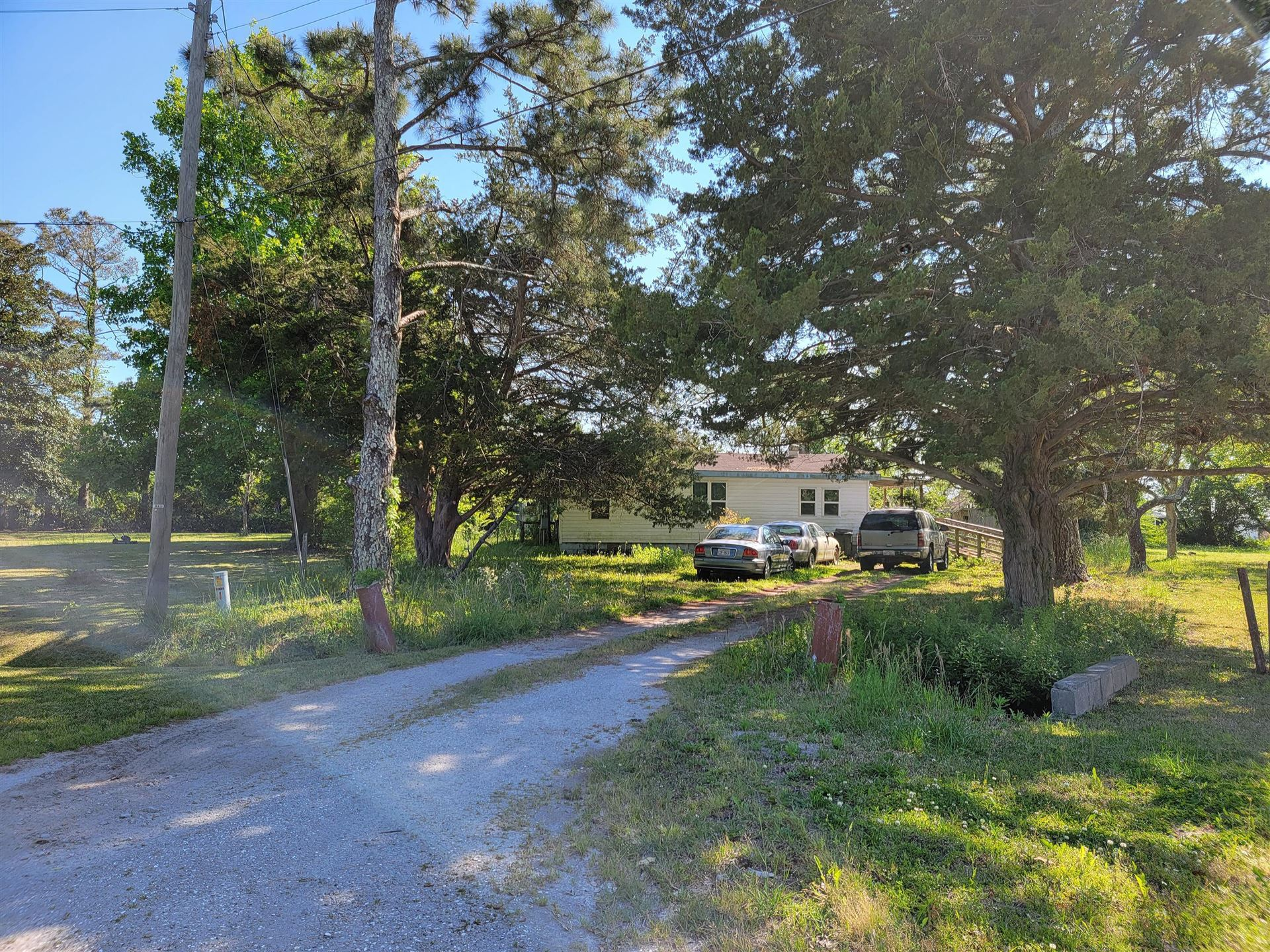 Photo of 108 Park Avenue, Beaufort, NC 28516 (MLS # 100268332)
