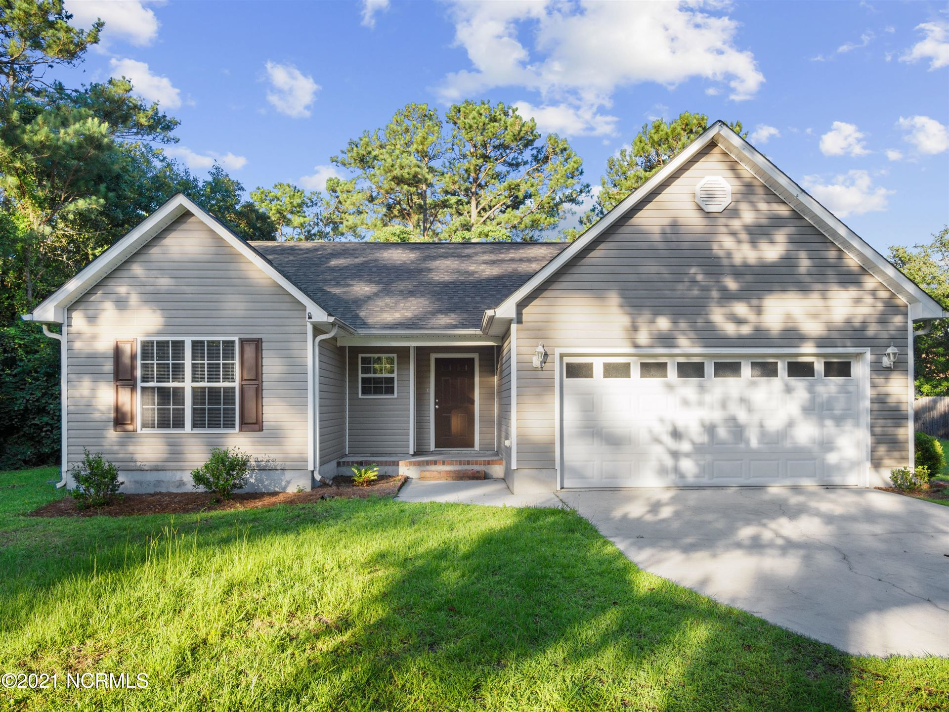 Photo for 319 Masters Lane, Hampstead, NC 28443 (MLS # 100278332)