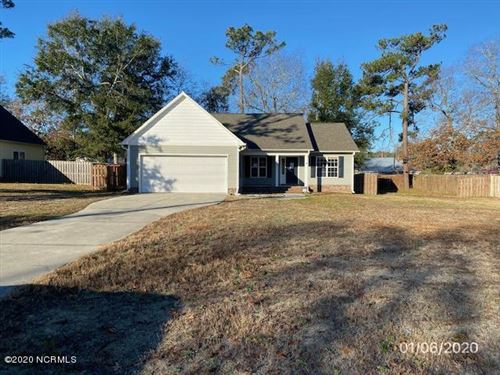 Photo of 207 Chadwick Shores Drive, Sneads Ferry, NC 28460 (MLS # 100200335)