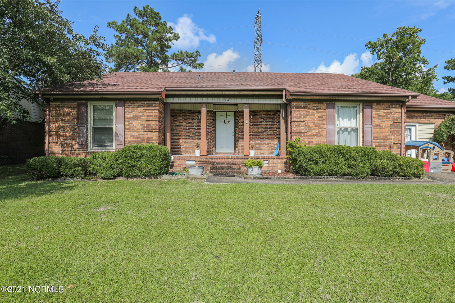Photo of 616 Winchester Road, Jacksonville, NC 28546 (MLS # 100291338)