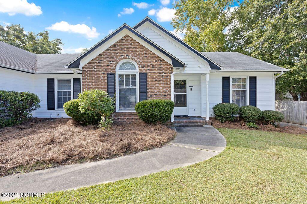 Photo of 191 Raintree Circle, Jacksonville, NC 28540 (MLS # 100296339)