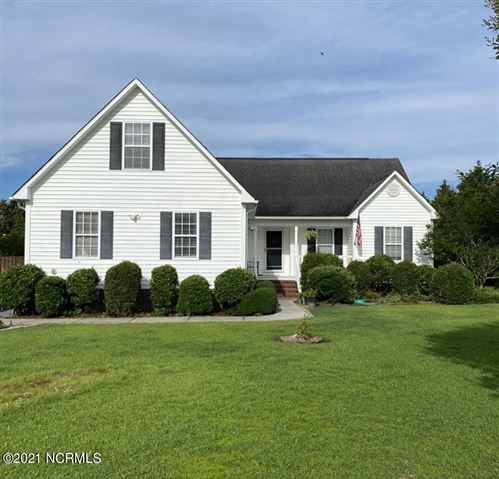 Photo of 321 Oakmont Drive, Hampstead, NC 28443 (MLS # 100276342)