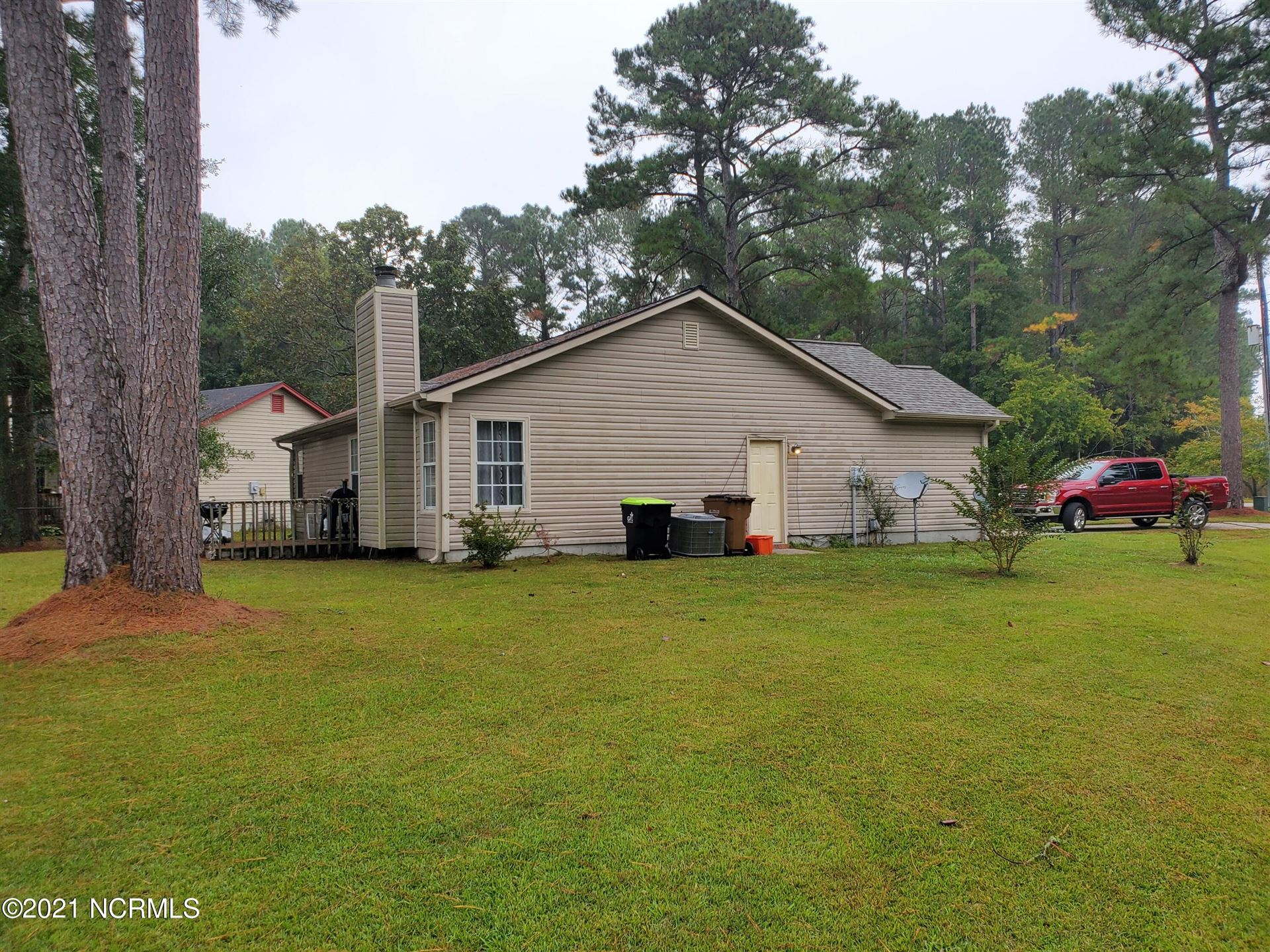 Photo of 201 Vandergrift Drive, Jacksonville, NC 28540 (MLS # 100296343)