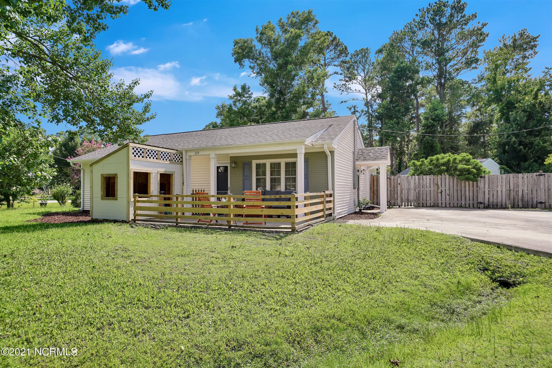 Photo for 329 Cornwall Court, Wilmington, NC 28409 (MLS # 100281344)
