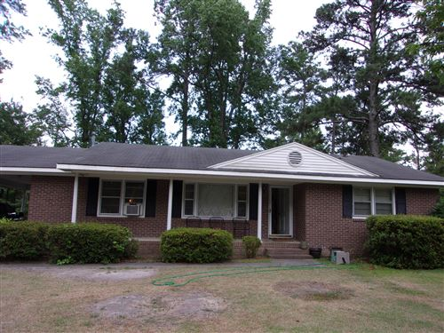 Photo of 1016 W Scotsdale Road, Laurinburg, NC 28352 (MLS # 100195351)