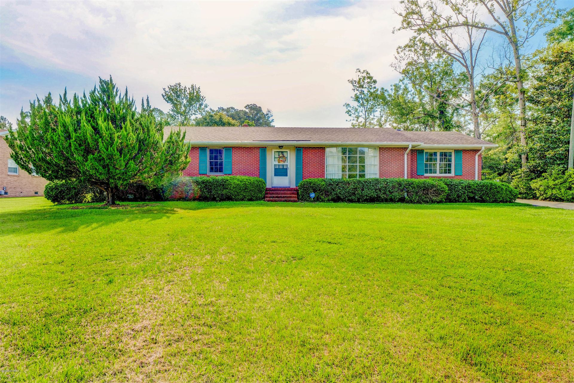 115 Country Club Drive, Jacksonville, NC 28546 - #: 100223354