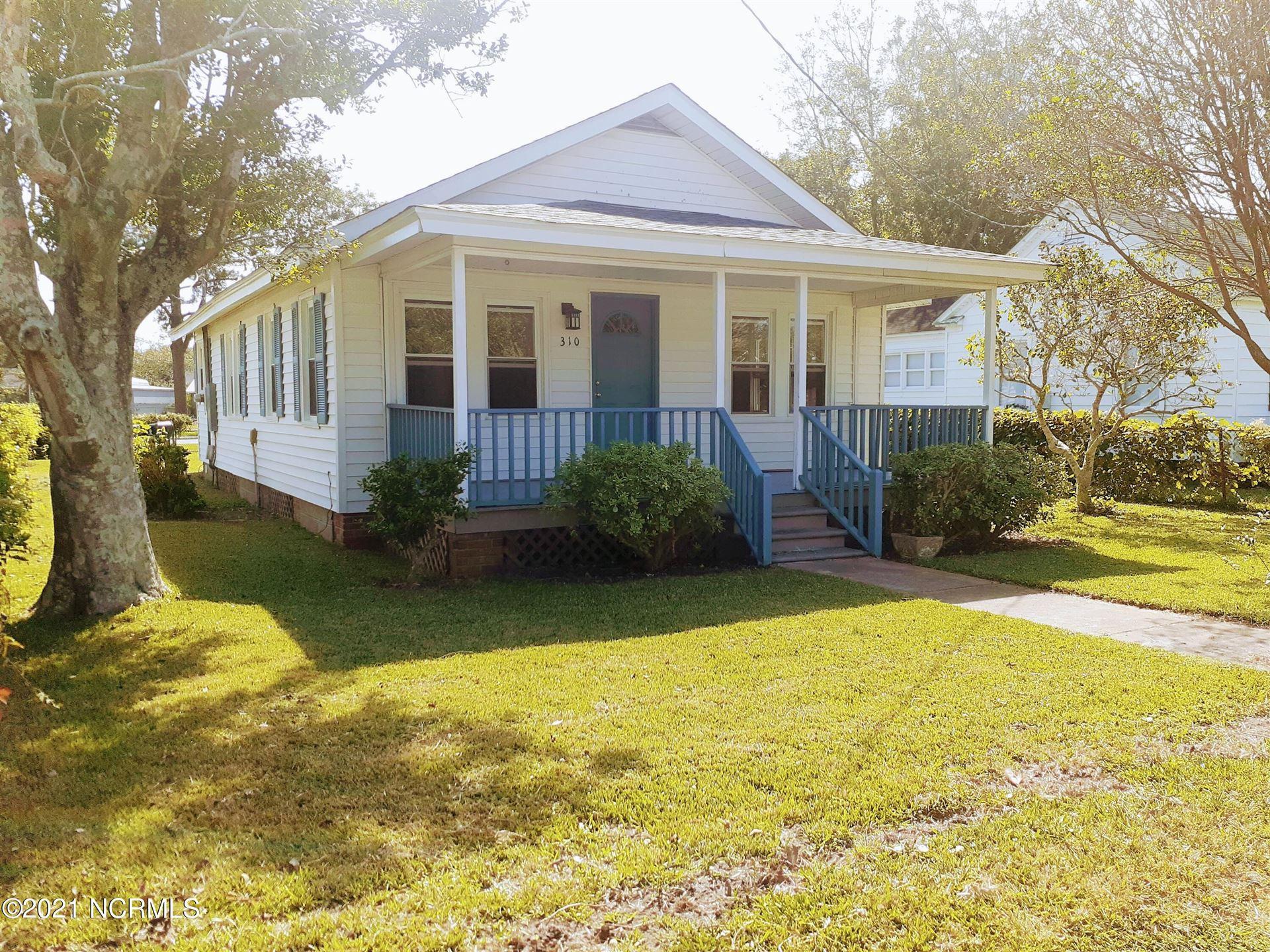 Photo of 310 Craven Avenue, Beaufort, NC 28516 (MLS # 100295354)