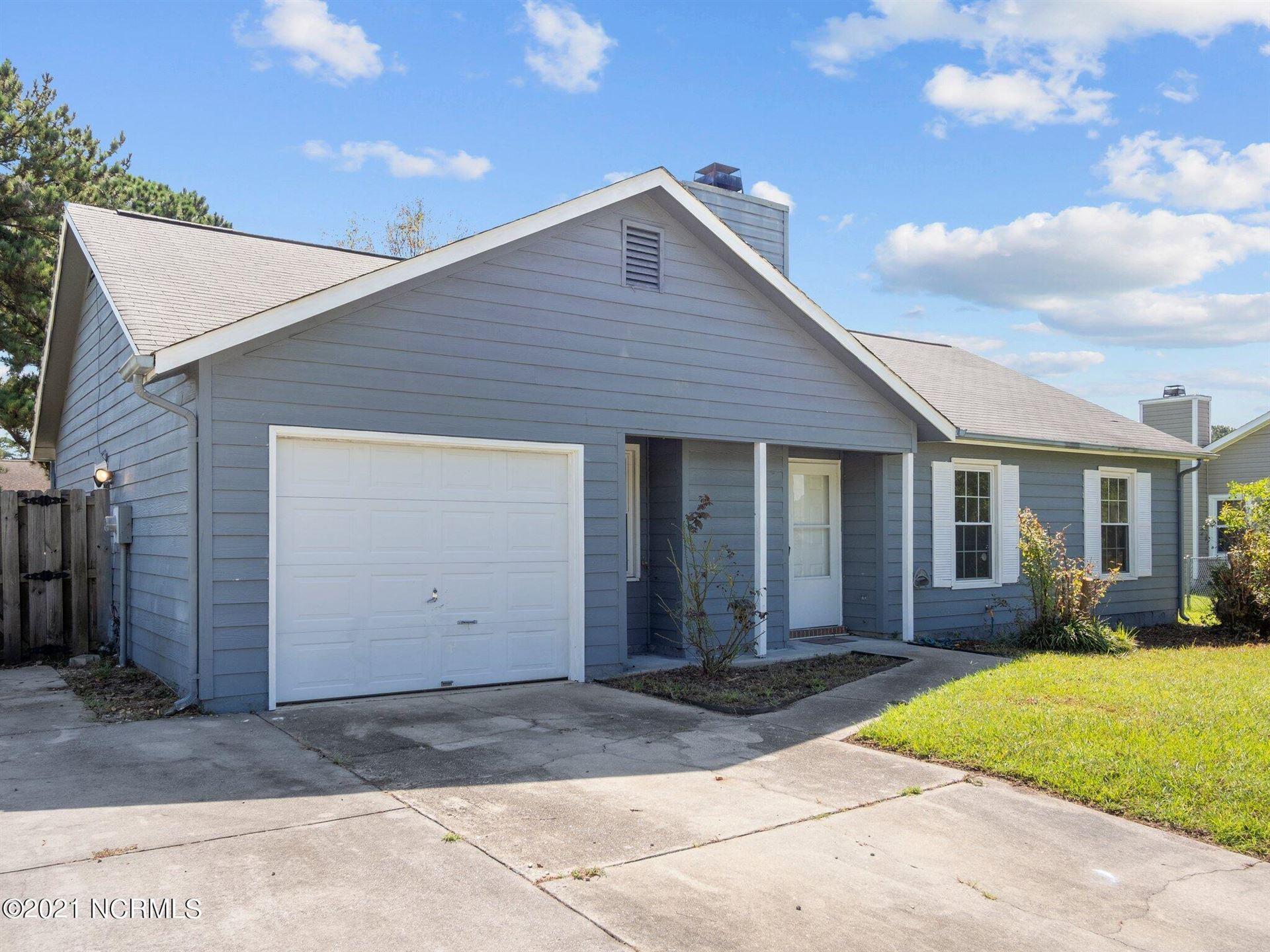 Photo of 318 Quail Ridge Road, Jacksonville, NC 28546 (MLS # 100290356)