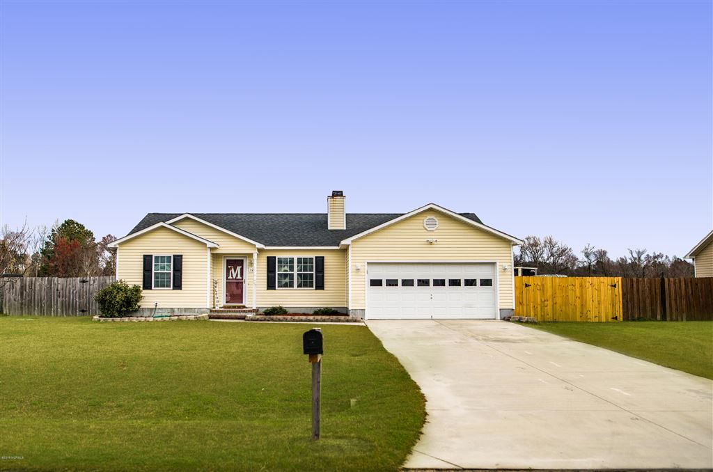 Photo of 105 Lois Court, Richlands, NC 28574 (MLS # 100155357)