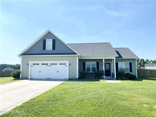 Photo of 416 Fawn Meadow Drive, Richlands, NC 28574 (MLS # 100277364)