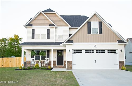 Photo of 207 Rowland Drive, Richlands, NC 28574 (MLS # 100269367)