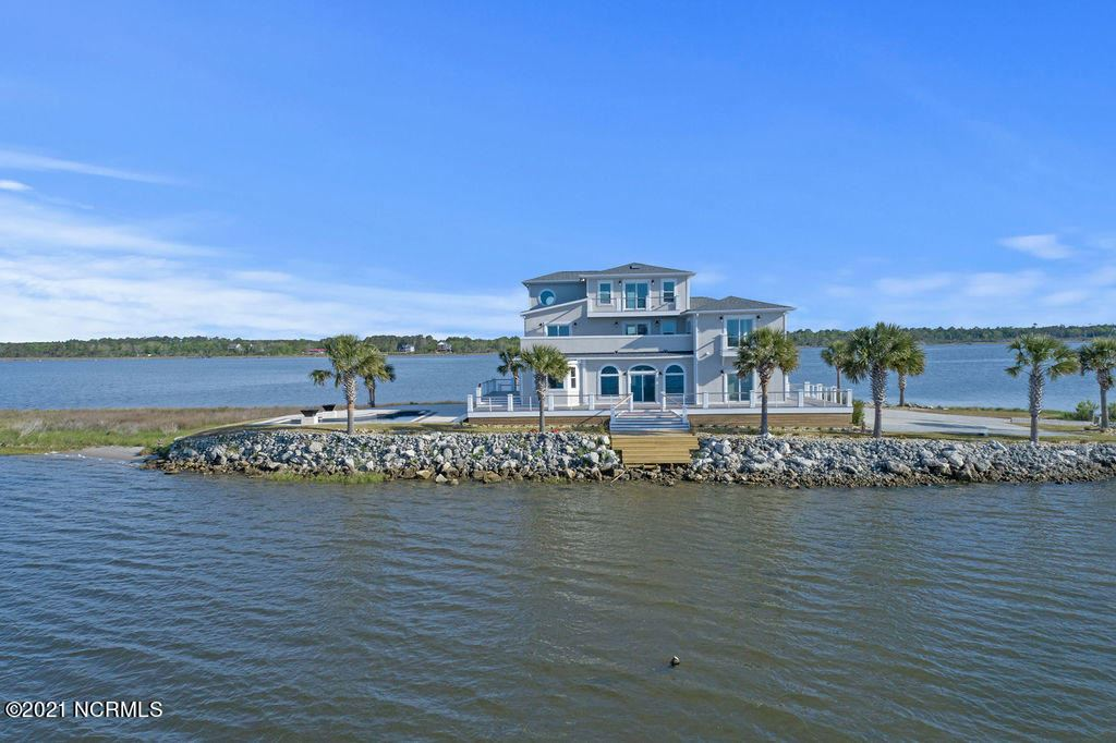 Photo of 400 Waterway Drive, Sneads Ferry, NC 28460 (MLS # 100270368)