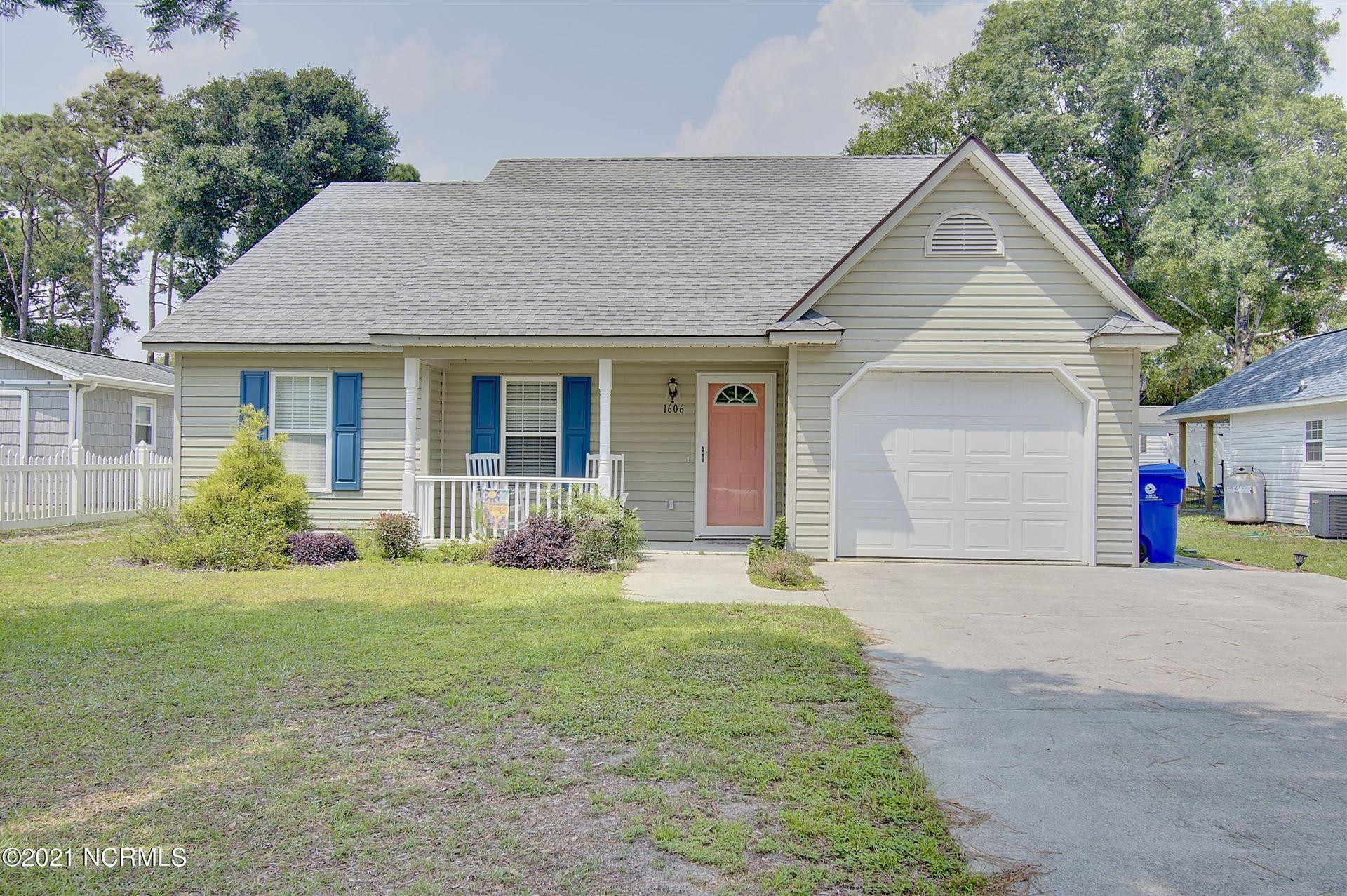 Photo for 1606 E Oak Island Drive, Oak Island, NC 28465 (MLS # 100283370)
