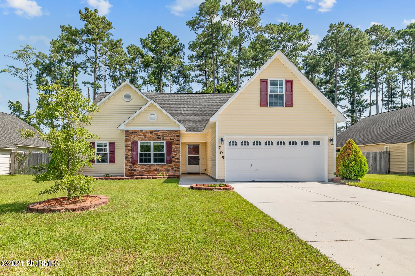 Photo of 709 Savannah Drive, Jacksonville, NC 28546 (MLS # 100289373)