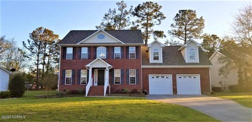 Photo of 149 E Ivybridge Drive, Hubert, NC 28539 (MLS # 100199388)