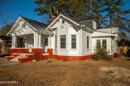 Photo of 304 NW Railroad Street, Robersonville, NC 27871 (MLS # 100253389)