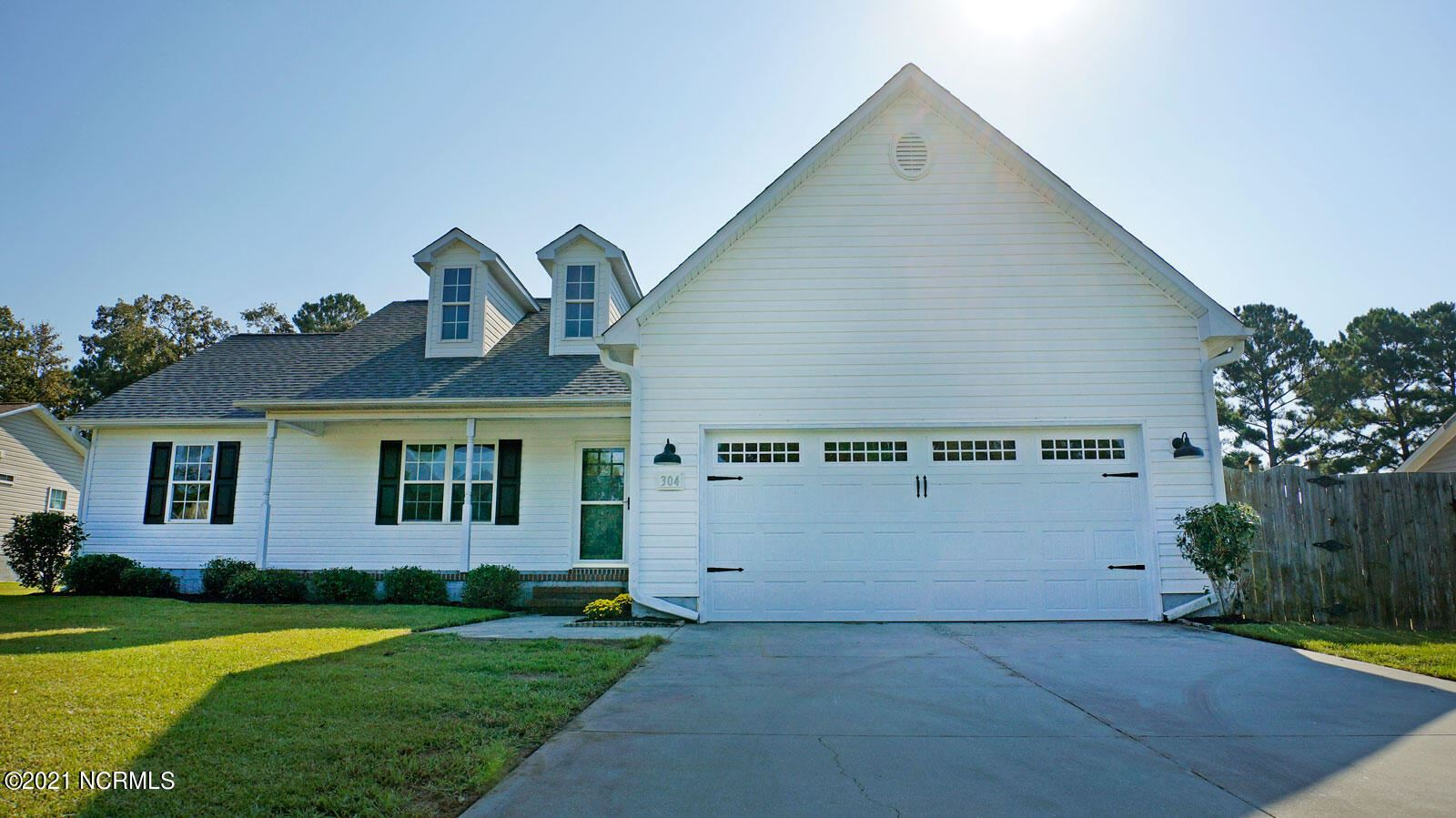 Photo of 304 N Grazing Court, Sneads Ferry, NC 28460 (MLS # 100293393)